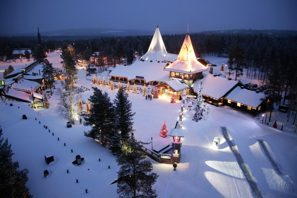 Best place to visit for christmas lapland finland for Best places in usa to visit for christmas