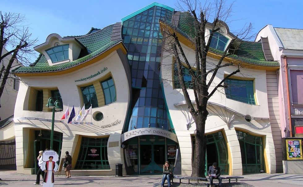 Top 10 Worlds Strangest Buildings