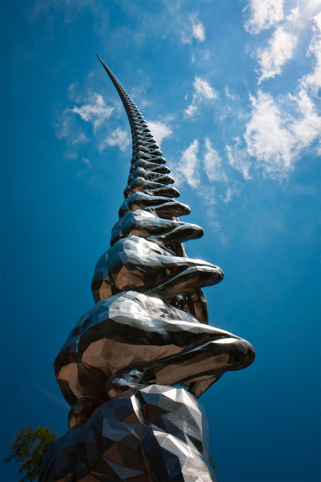 Karma – The Sculpture Stretches to Infinity