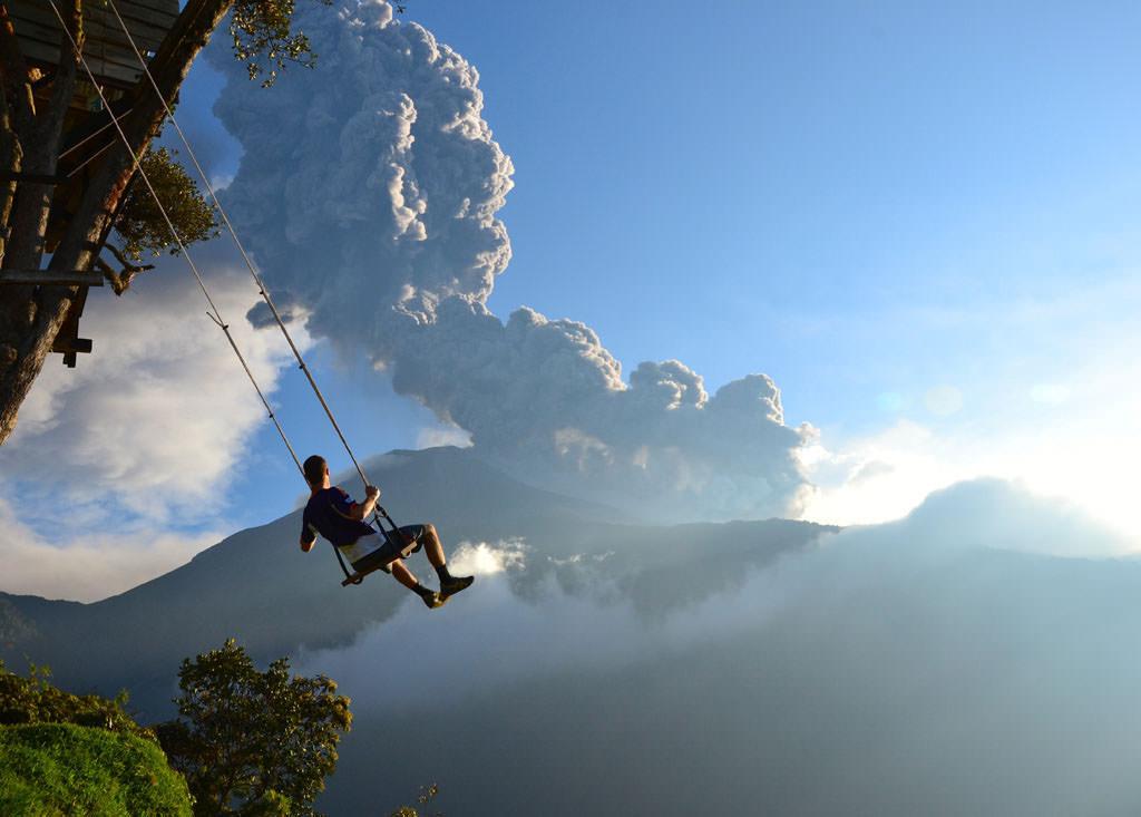 """Résultat de recherche d'images pour """"Swing at the End of the World in Banos, Ecuador"""""""