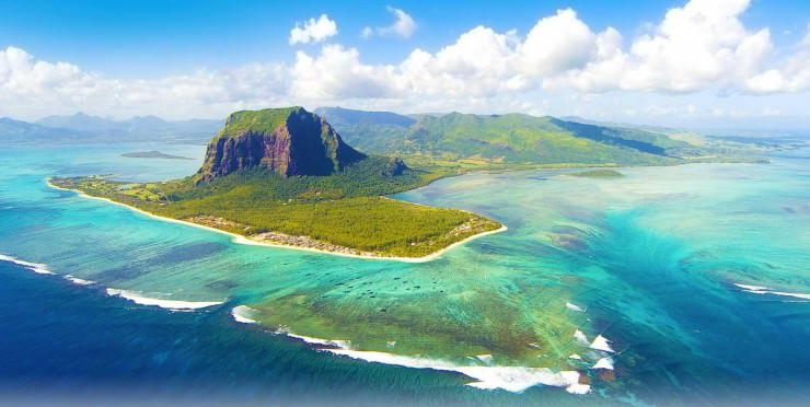 A Unique Underwater Waterfall in Mauritius