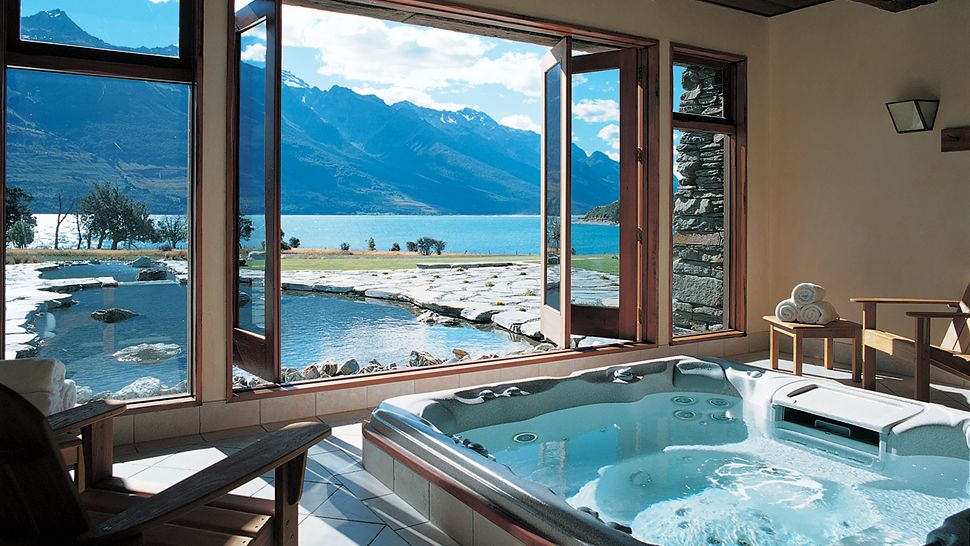 A Lovely Retreat in the Unspoiled Nature in Blanket Bay, New Zealand