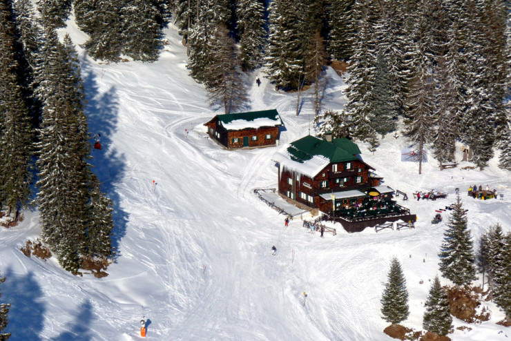 Top 10 Ski Villages for a Winter Holiday