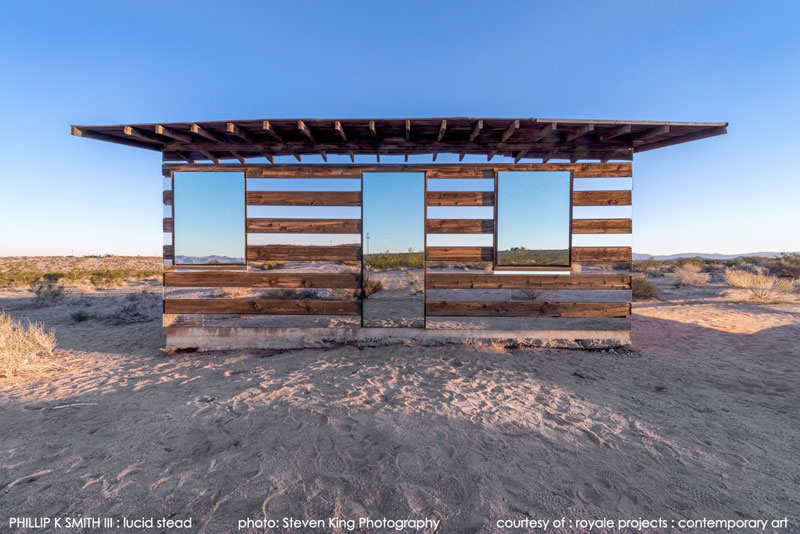 Lucid Stead – a Stunning Mirror House in the Californian Desert, USA