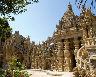 Ideal Palace – a Remarkable Structure, Built by a Postman in France