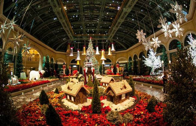 Top 10 christmas destinations this year places to see in for When does las vegas decorate for christmas