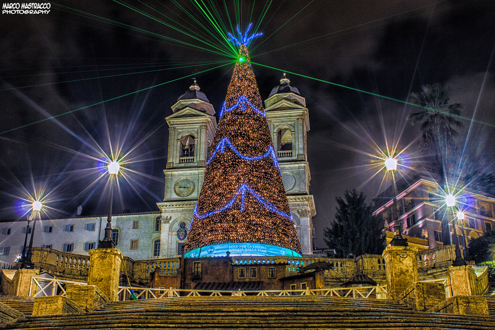 Top 10 best christmas trees places to see in your lifetime for Best places to visit for christmas