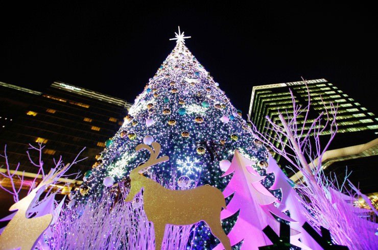 「south korean mall christmas tree」の画像検索結果