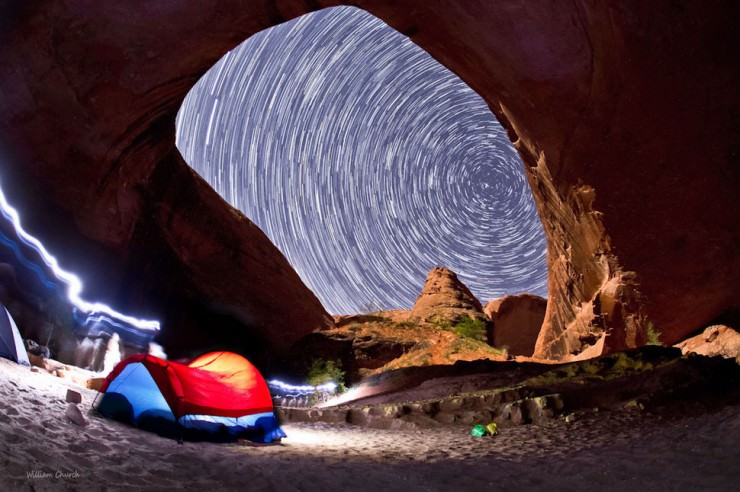 Beautiful Ancloves and Rocky Bridges in Coyote Gulch, Utah, USA