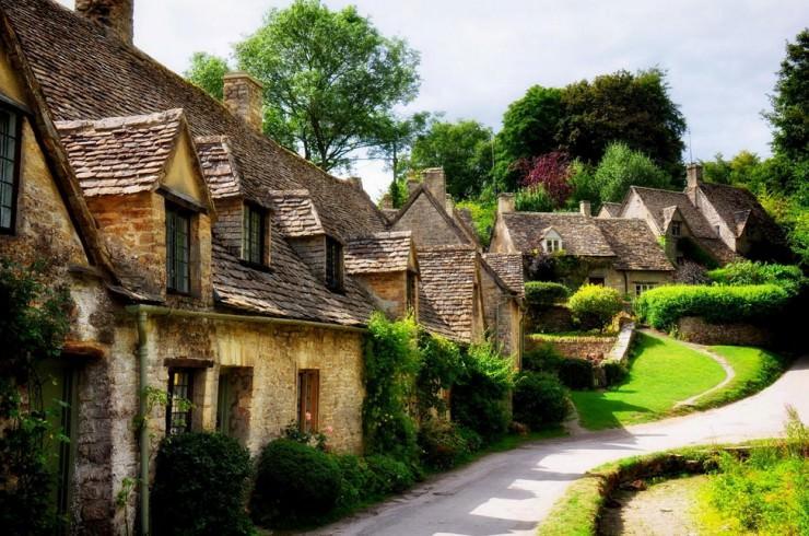 A Postcard Beautiful English Village Of Bibury Uk