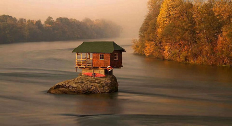 http://www.placestoseeinyourlifetime.com/wp-content/uploads/2014/02/serbia-740x401.jpg