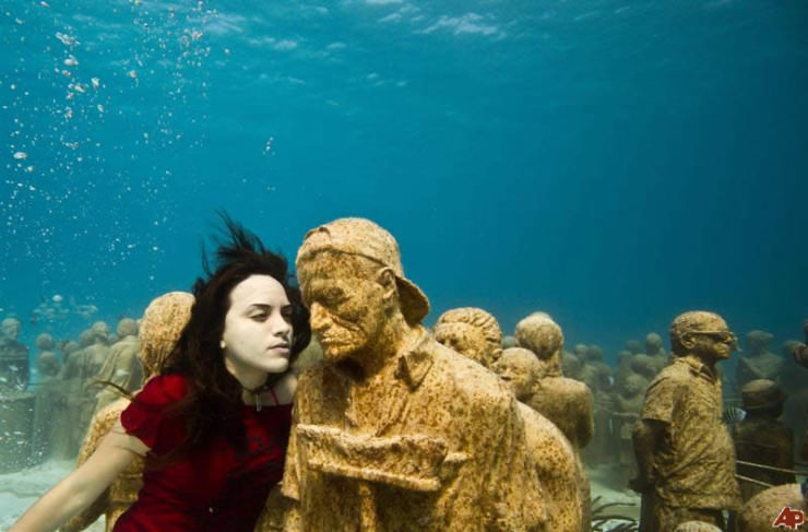 Top 10 Diving Sites-Cancún-Jason deCaires Taylor2