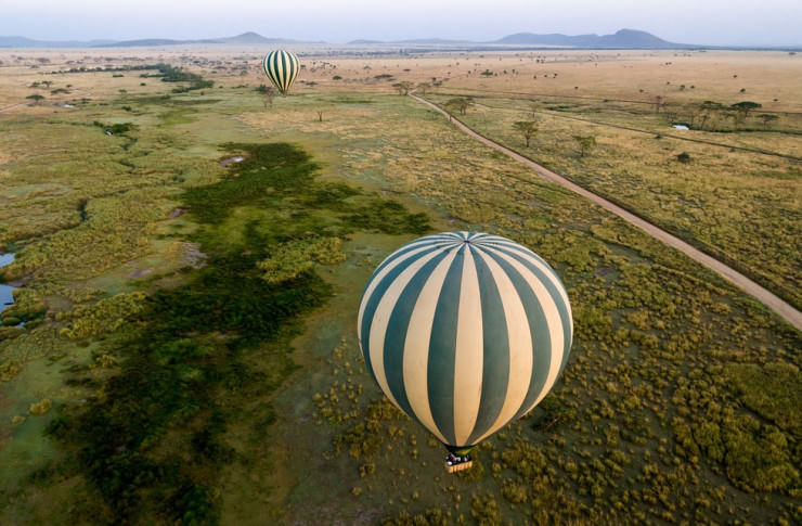 Top 10 Hot Air Ballooning-serengeti-Photo by Damien Tachoires