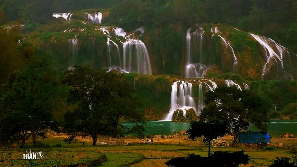 Ban Gioc – the Fourth Largest Waterfall on the Border