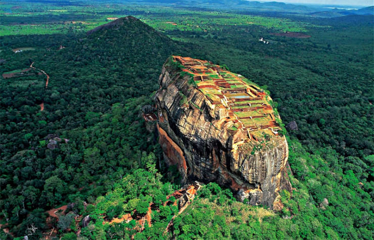 Top 10 Monasteries-Sri Lanka