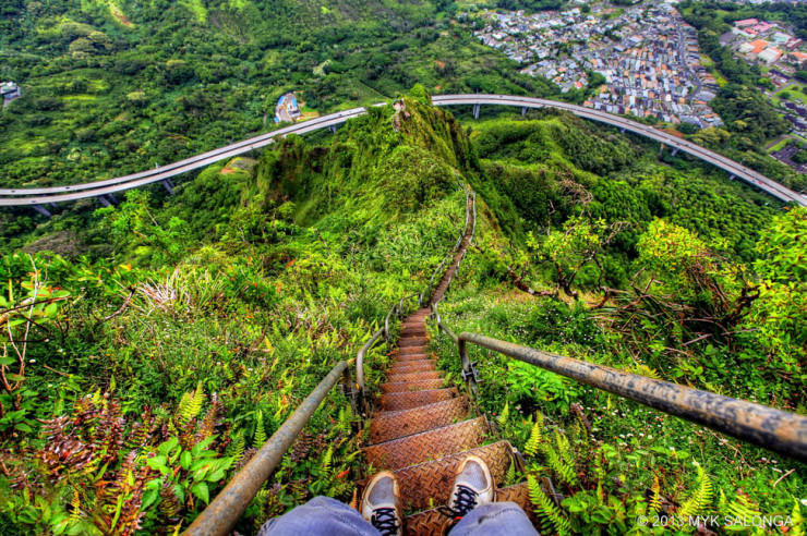 Top Things to See and Do in Hawaii-Stairs-Photo by Myk Salonga