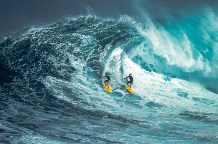 Top Things to See and Do in Hawaii-Surf-Photo by s e n s o r p i x e l