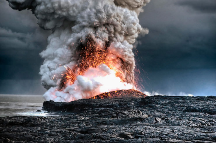Top Things to See and Do in Hawaii-Volcano-Photo by Alain Barbezat