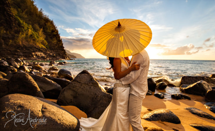 Top Things to See and Do in Hawaii-Wedding-Photo by Keani Andrade