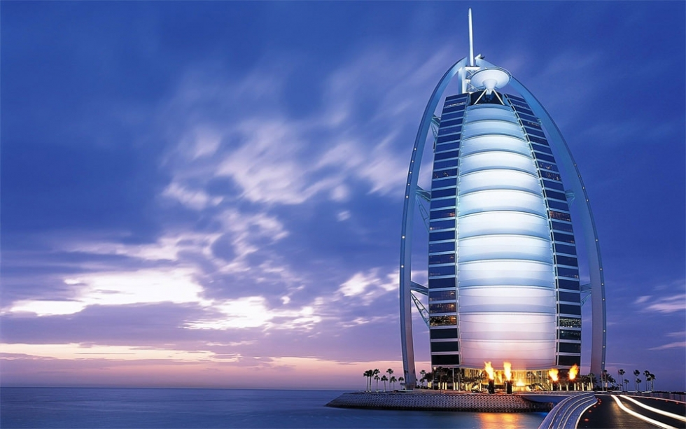 Burj al arab one and only 7 star hotel in dubai uae for Dubai the best hotel