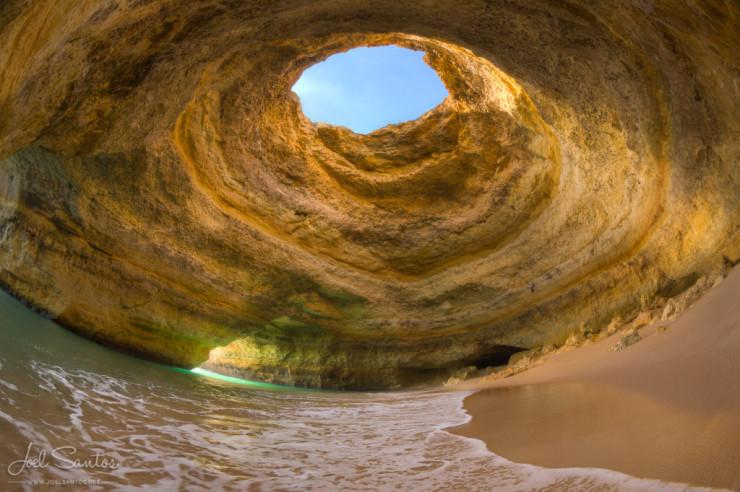 Caves in Algarve-Photo by Joel Santos2