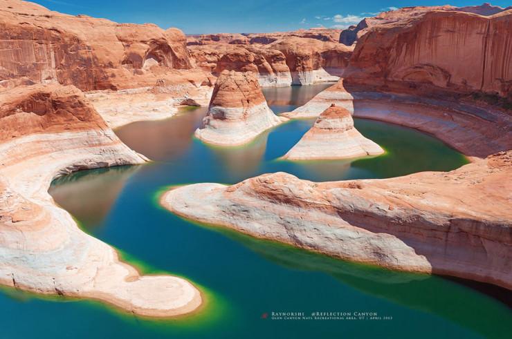 Reflection Canyon-Photo by Wan Shi2
