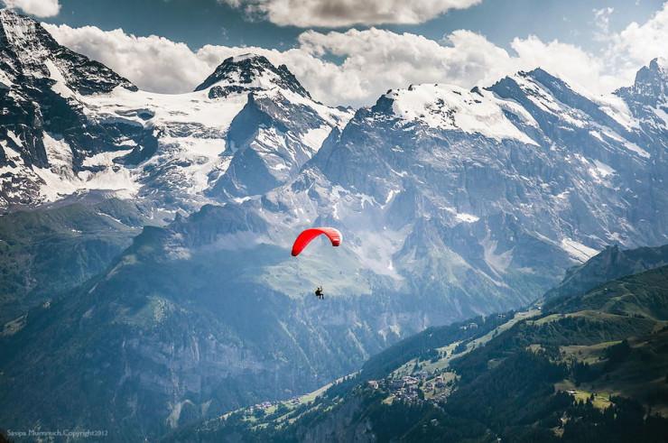 Top 10 Paragliding Sites-Wengen-Photo by Sasipa Muennuch
