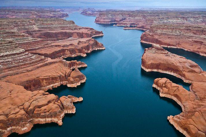 Lake Powell – Stunning Lake in the Canyons, USA