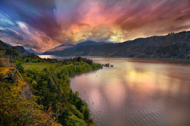 Columbia River Gorge-Photo by David Gn