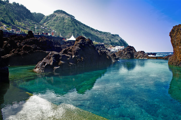 Natural lava pools in madeira portugal places to see in for Portugal piscinas naturales
