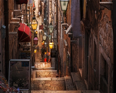 Top 10 Most Enticing Alleys