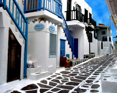 Incredible Dotted Alleys in Mykonos, Greece
