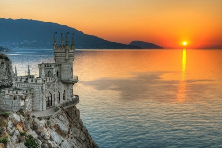 Top Castles-Swallow's Nest