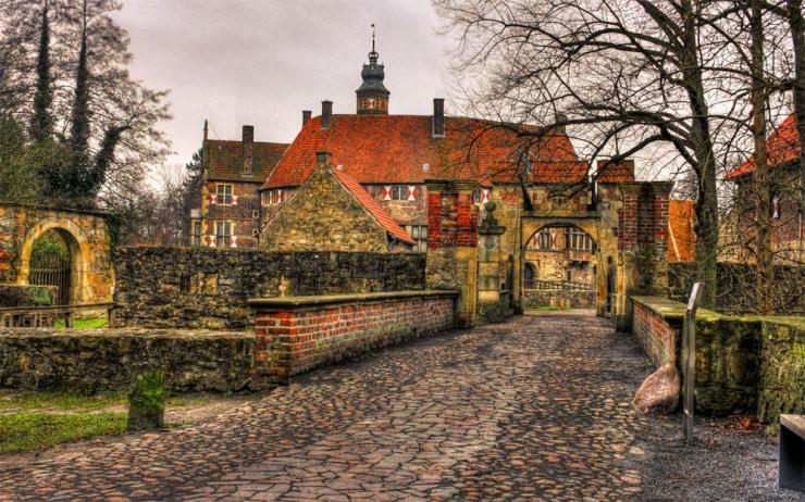 Top 10 Castles-Vischering2