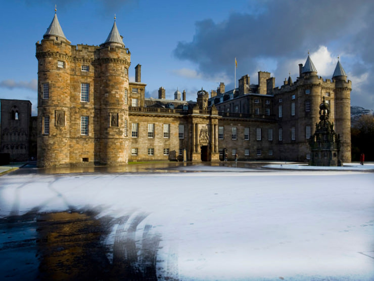 Top Edinburgh-Holyroodhouse3