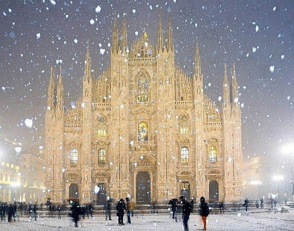 Milan cathedral a gothic architectural jewel in italy for Best places to see in milan