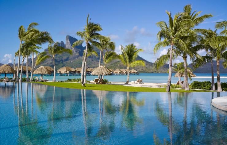 Top 10 Resorts-Bora Bora3