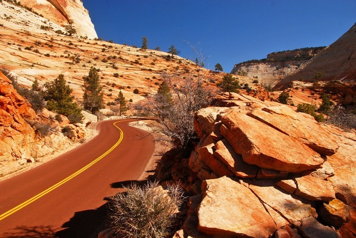 Top 10 Zion-Highway-Photo by Omar Brenes