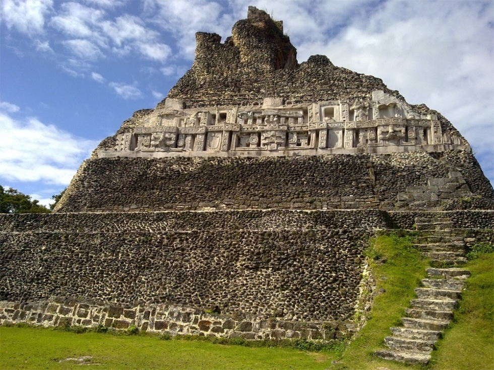 Xunantunich – Ancient Maya Archaeological Site in Belize