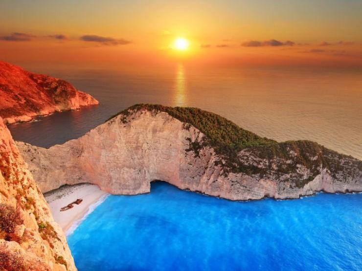 Top Deserted Places-Navagio