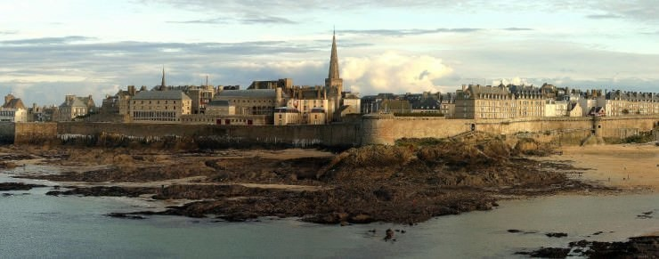 Top Island Cities-Saint-Malo-Photo by Evan Bdc