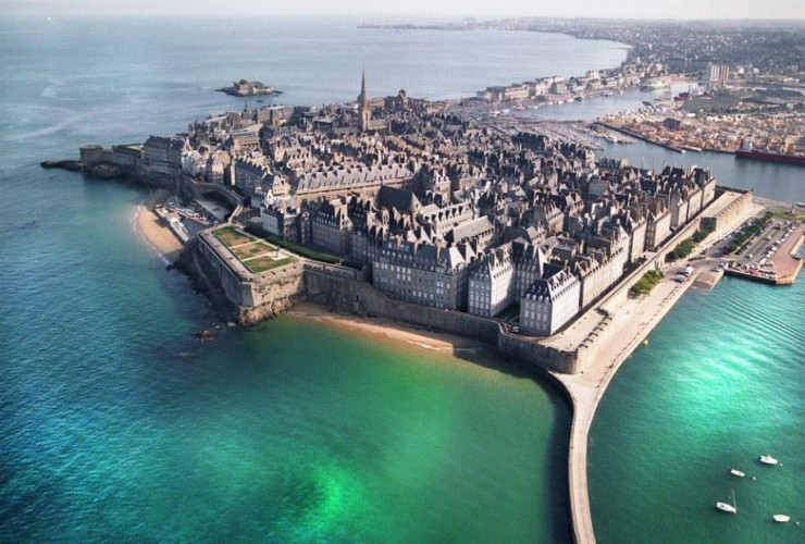 Top Island Cities-Saint-Malo-Photo by Sabine De Villeroy