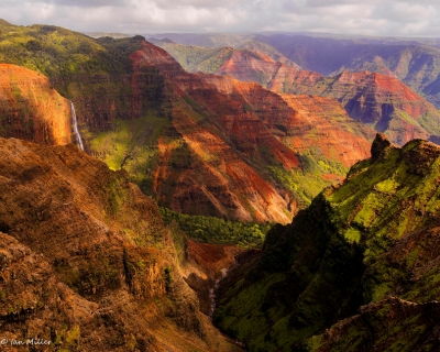 Waimea Canyon – the Majestic Canyon of the Pacific in Hawaii