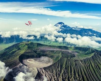 Dangerous Flight Above Active Mount Bromo in Indonesia