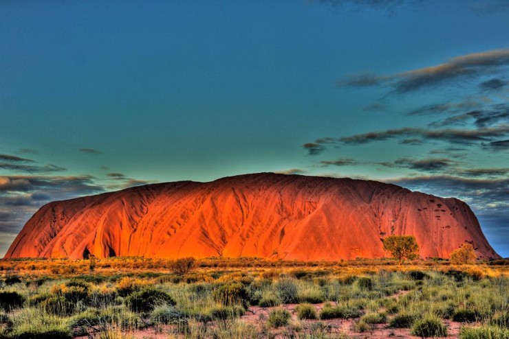 Top Australia-Uluru-Photo by Petr Marek
