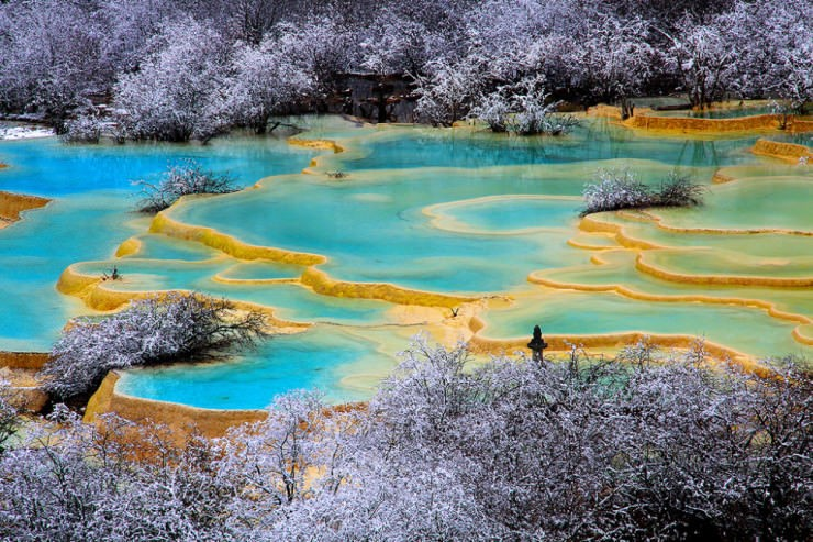 Top Terraced-Huanglong-Photo by sirichai raksaphon