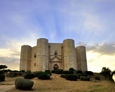 Castel del Monte – a Gorgeous Medieval Castle in Apulia, Italy