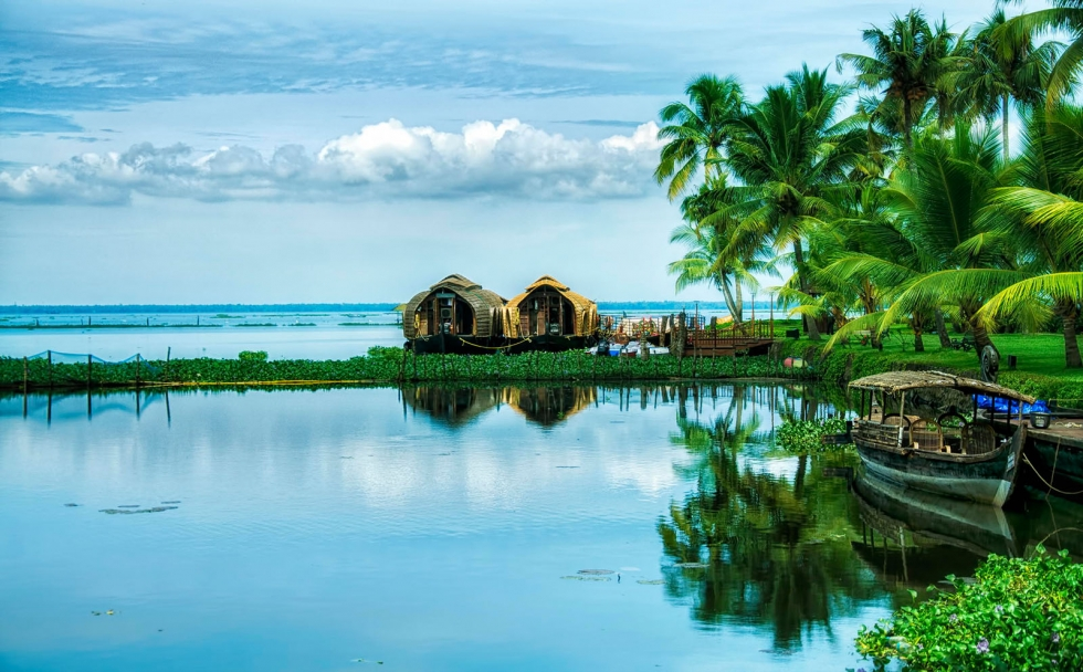 Kumarakom Backwaters Historic Exotic Resort In Kerala India Places To See In Your Lifetime