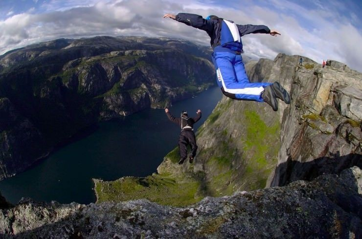 Top 10 Base Jump-Kjerag
