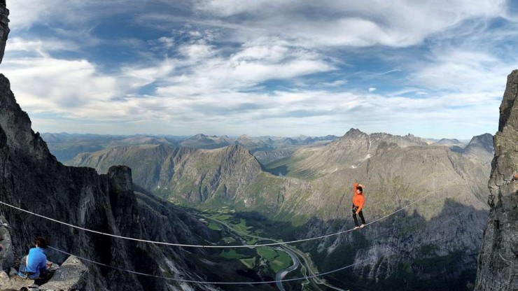 Top 10 Base Jump-Troll-Photo by Rbnett